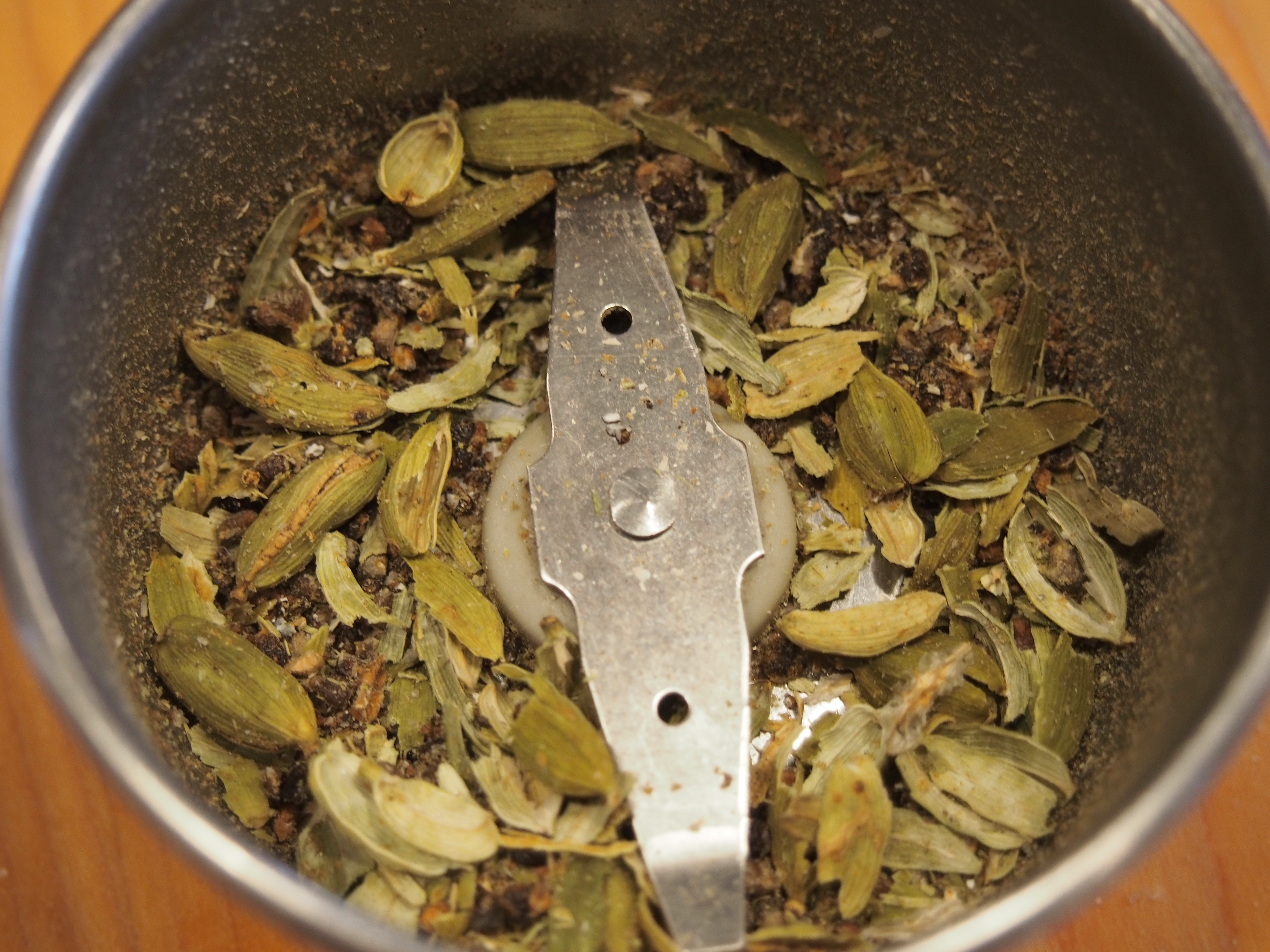 How To Grind Cardamom From Pods My Kitchen Clatter